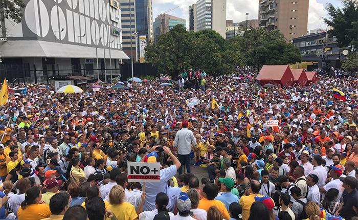 Colectivos dispararon  contra manifestantes en Caracas