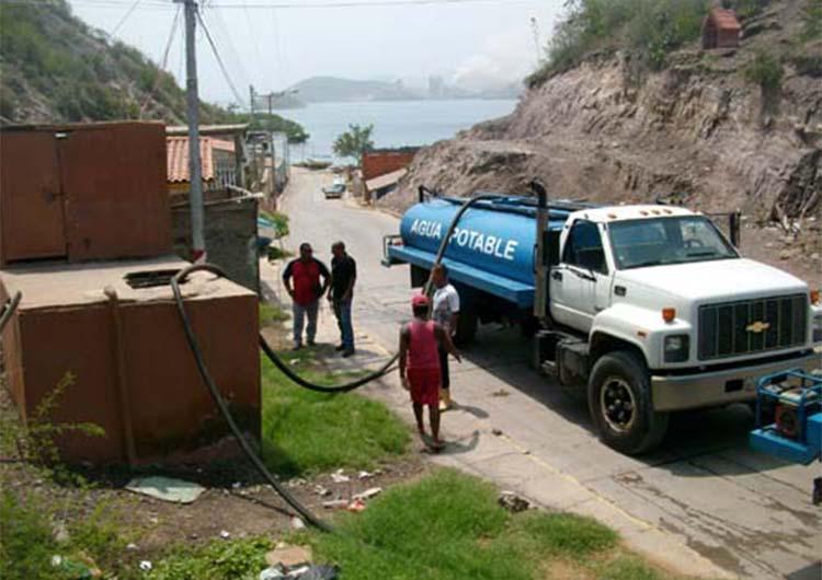 Alcaldía de Guanta suministró agua a  sectores
