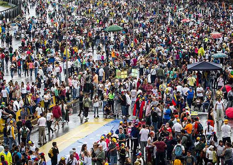 Oposición trancó ayer las calles  con un «Gran Plantón Nacional»