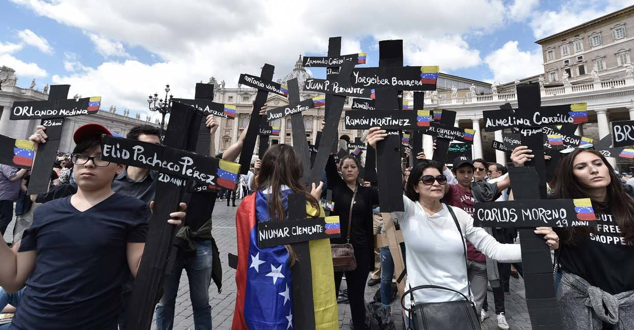 Venezolanos protestan desde El Vaticano