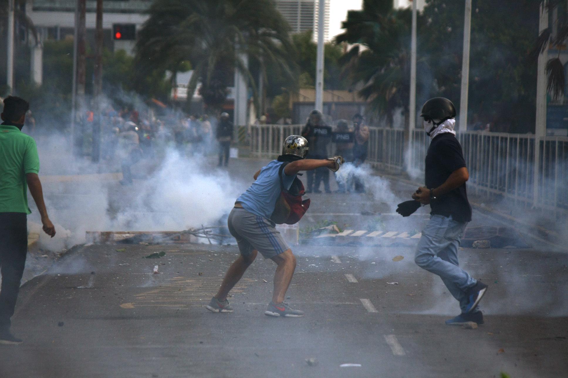 Fuerzas de seguridad dispersaron protesta en Lechería