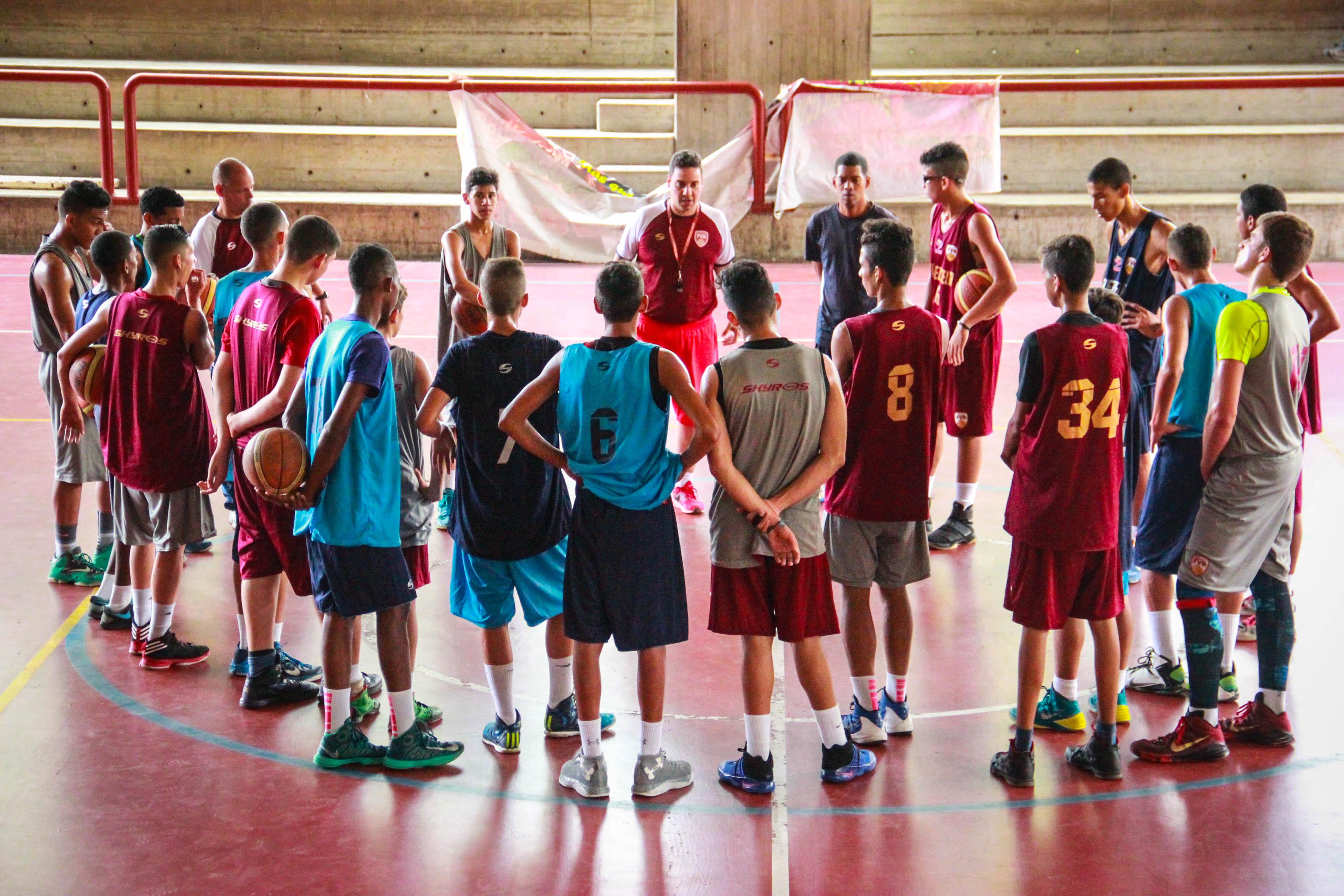 Selección U16 arrancó el trabajo en Valencia