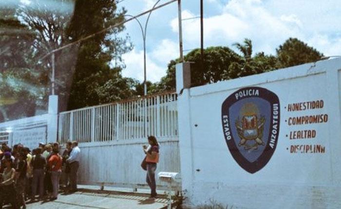 Detenidos tres jóvenes por resistencia
