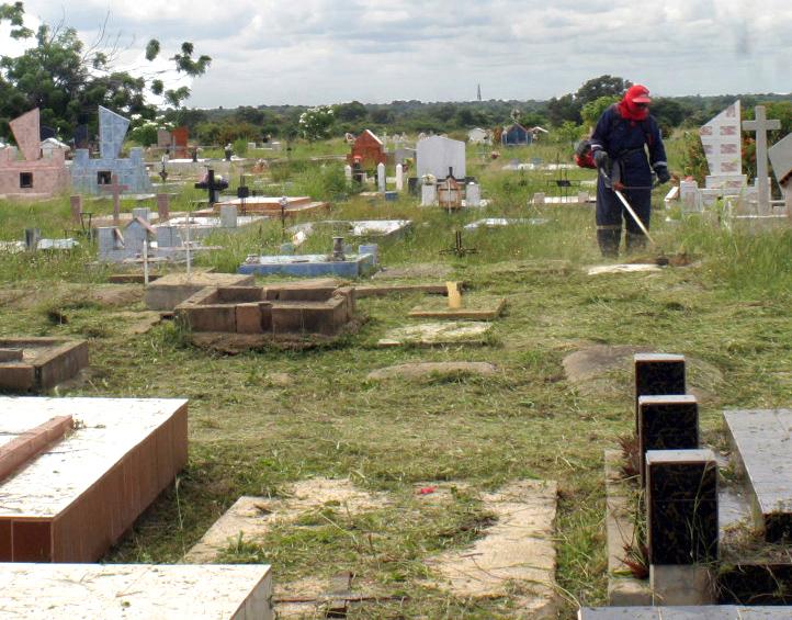 Cementerios de Anaco listos para recibir a seis mil visitantes