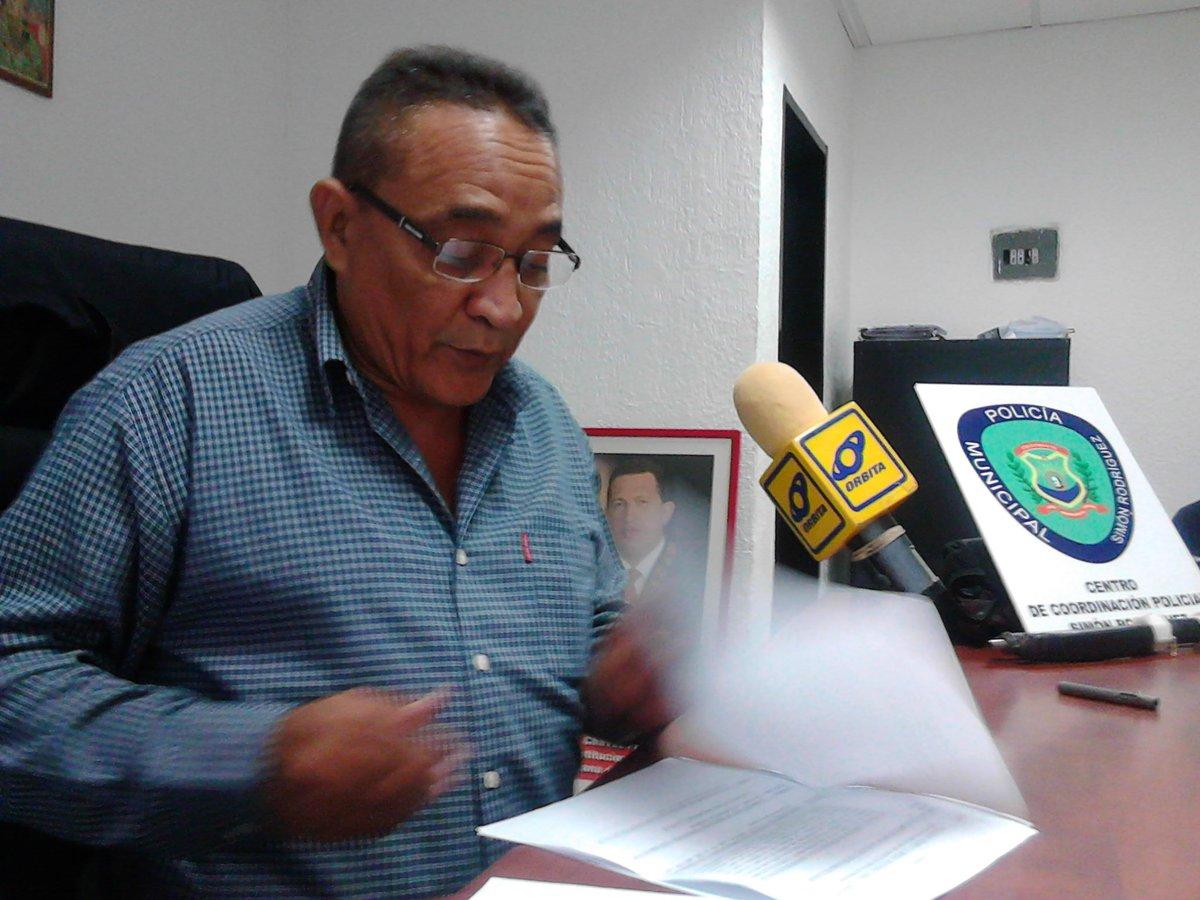 Agentes del CCP El Tigre atraparon a trío hamponil con objetos hurtados de una casa