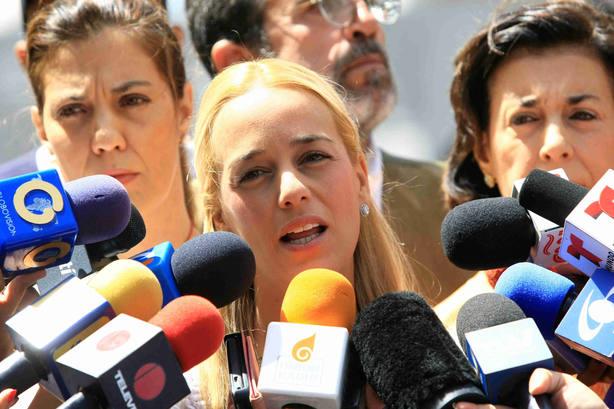 Tintori: No se puede hablar de diálogo si Leopoldo está incomunicado