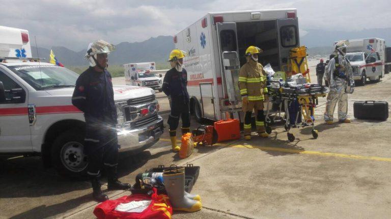 Hicieron entrega de ambulancias y equipos a bomberos