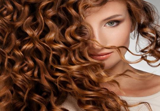 Luce un cabello largo y sano