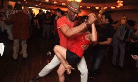 Bailar salsa ayuda a tener una vida mucho más saludable