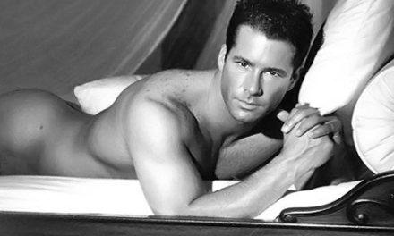 Fernando Carrillo se desnudó en Instagram