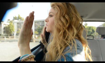 Paulina Rubio protagonizó video en el que muere de asfixia