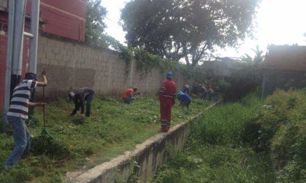 Sagubc realizan limpieza de la quebrada La Culebra