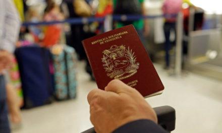 Venezolanos necesitarán pasaporte obligatoriamente para entrar a Ecuador