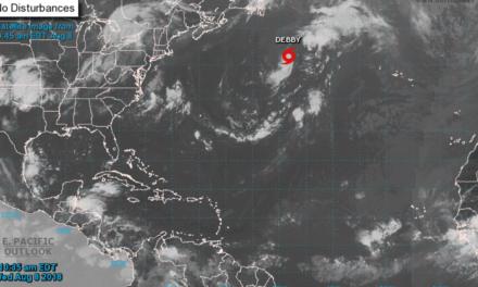 La tormenta Debby se desplaza hacia las aguas frías del Atlántico Norte
