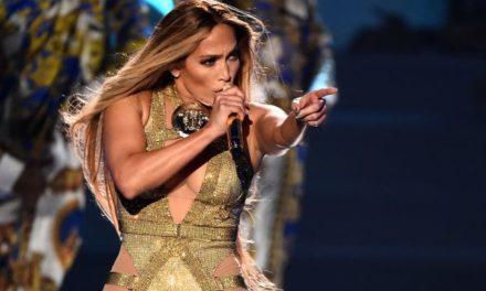 Jennifer Lopez sufrió una aparatosa caída en su show en Las Vegas