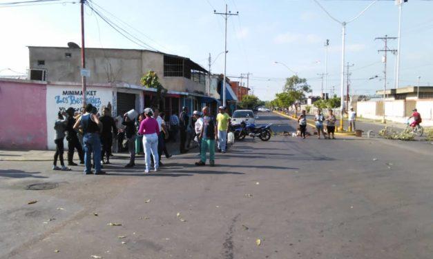 Vecinos de Tronconal II protestaron por falta de agua