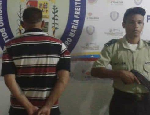 Polifreites detuvo a hombre por agredir a dos personas con machete