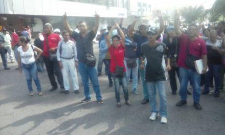 Trabajadores de la salud protestaron para exigir pago salarial