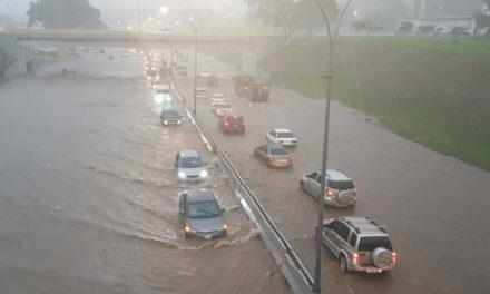 LLuvias dejan 11 personas fallecidas y tres desaparecidas