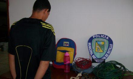 Arrestan a sujeto por hurto de materiales en El Maguey