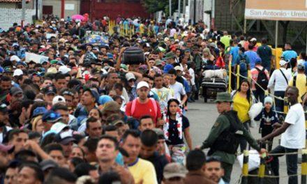 5.000 personas salen de Venezuela a diario