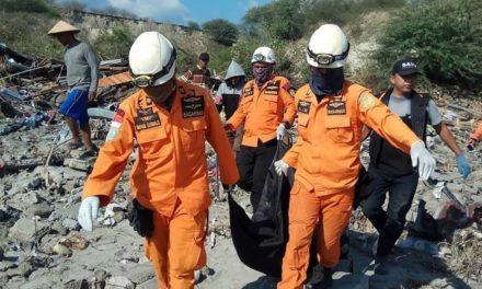 Subió a 1.234 la cifra de muertos por terremoto y tsunami en Indonesia