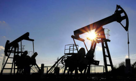 Expertos pronostican colapso petrolero si no se recupera la producción de crudo