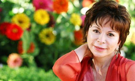 Isabel Allende es reconocida con el Premio Nacional de Literatura en EE.UU.