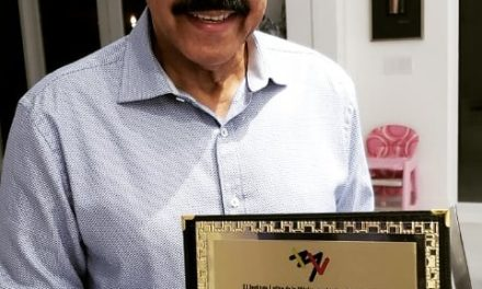 Oscar D´León es condecorado como Embajador Cultural del ILM