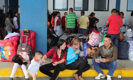 Reubicaron a grupo de venezolanos que estaba en el norte de Quito