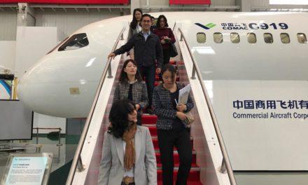 Evaluaron acuerdos para ampliar redes de operación y servicios aéreos