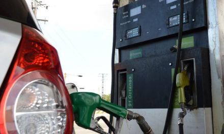 Autoridades de PDVSA revisan propuestas para el subsidio de la gasolina