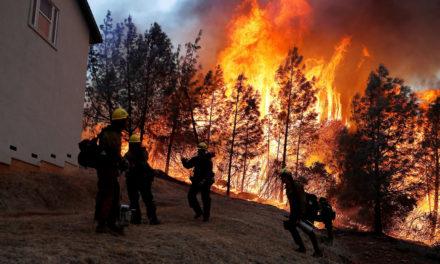 31 muertos y más de 100 desaparecidos en los incendios que azotan California