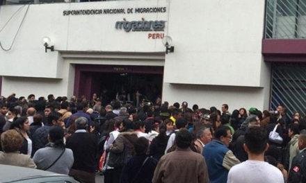Migración Perú sancionará a venezolanos que no actualicen información personal