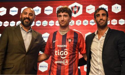 Amorebieta jugará en Paraguay