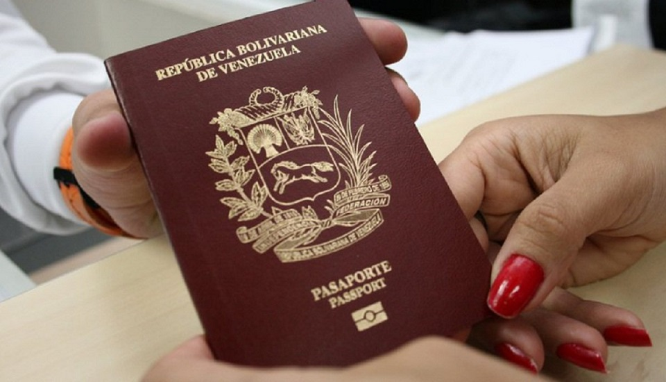 Colombia validará pasaportes venezolanos vencidos