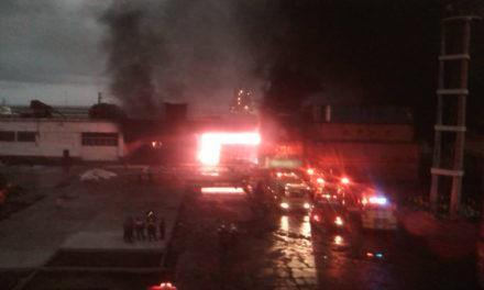 Incendio en el puerto de La Guaira afectó los galpones de los Clap