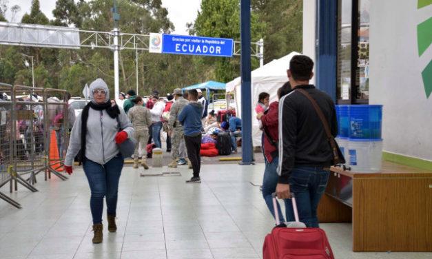 Ecuador no solicitará pasaporte ni antecedentes penales a migrantes venezolanos
