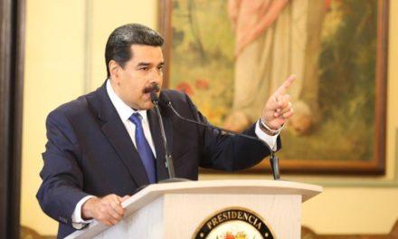 Maduro solicitó al Gabinete Ejecutivo poner sus cargos a la orden
