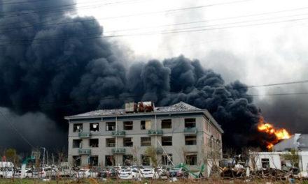 Autoridades chinas revisarán plantas químicas tras explosión que dejó 78 muertos
