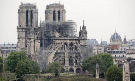 El Vaticano ofrece enviar a París a sus expertos para reconstrucción de Notre Dame