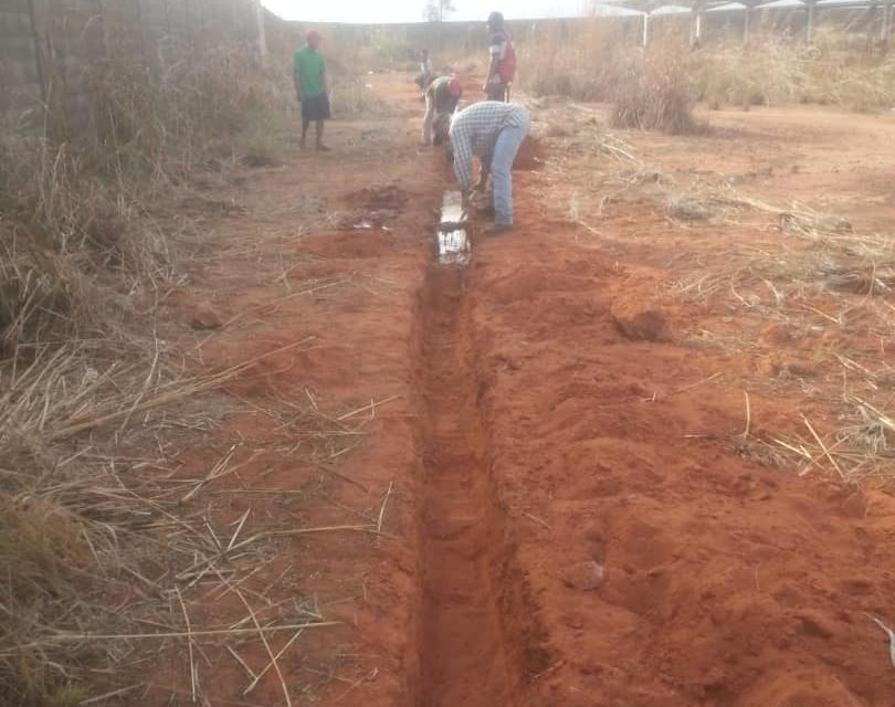 Realizan trabajos para resolver problema de agua en sectores de El Tigre