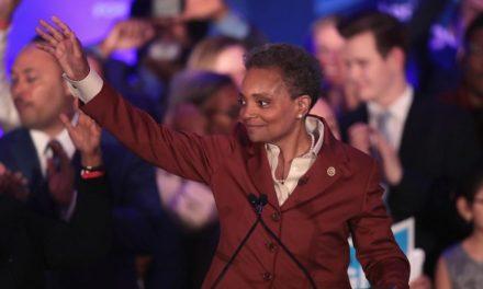 Lori Lightfoot hace historia al ser la primera alcaldesa de color y gay en Chicago
