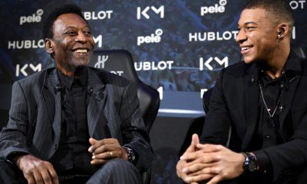 Pelé fue hospitalizado en Francia
