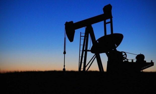 Producción de petróleo de Venezuela se desplomó hasta 732.000 barriles al día