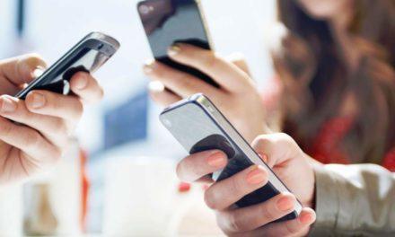 El uso excesivo del teléfono provoca pérdida de amistades y estrés