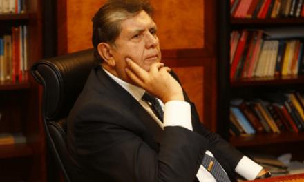 Ex presidente peruano Alan García se disparó en la cabeza tras recibir una orden de arresto