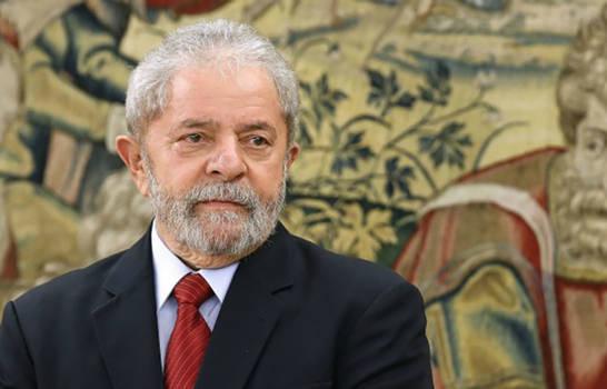 Tribunal de Justicia redujo la pena de Lula a ocho años y diez meses de cárcel