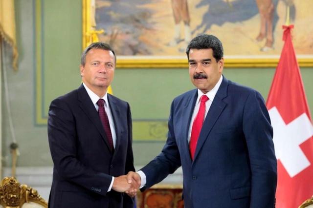 Embajador suizo entregó a Maduro cartas credenciales en Miraflores