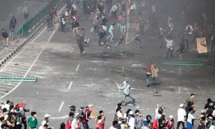 Seis muertos y 200 heridos en disturbios tras la reelección del presidente en Indonesia